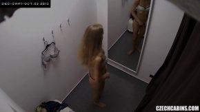 Camere de filmat ascunse in cabina de proba la mall