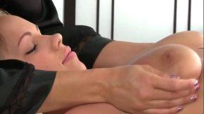Asta da masaj frumos intre doua fetite erotice