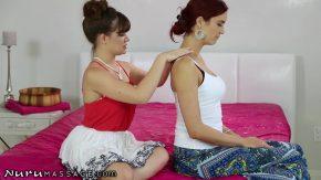 Doua femei frumoase se ling la pizda cu maxima placere