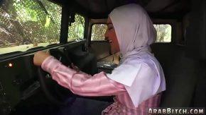 Femeia araboaica face sex si este hotarata pe treaba