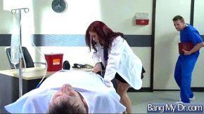 Doctorita isi permite orice barbat
