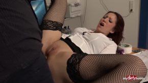 Scena de sex cu femeia care vrea sex si bani