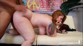 Femeie grasa roscata care cere sex in pizda